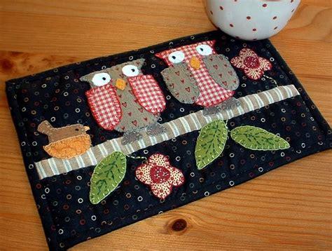free pattern mug rug two owls mug rug owl patterns and patchwork