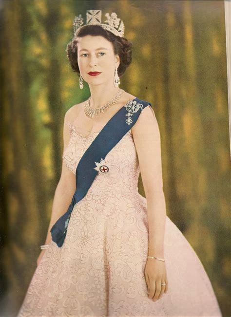 queen elizabeth pr 234 t 224 random queen elizabeth s coronation portrait