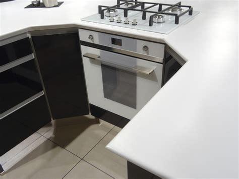 comment poser un plan de travail dans une cuisine poser un plan de travail cuisine dootdadoo com id 233 es