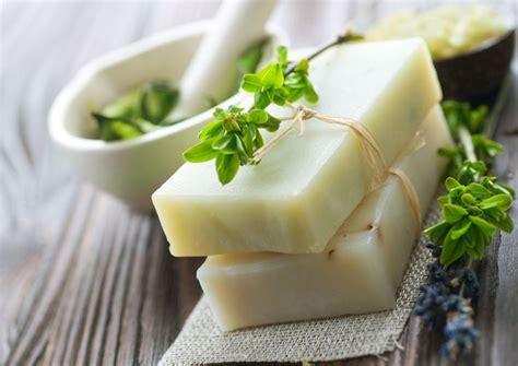 saponette fatte in casa come fare il sapone pulizie di casa consigli per fare