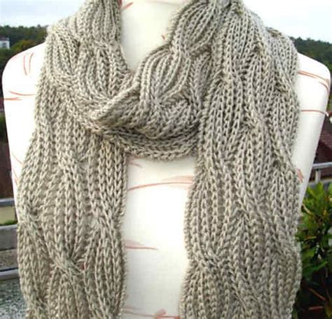 reversible cable scarf knitting pattern b0adicea s reversible cabled brioche stitch scarf free