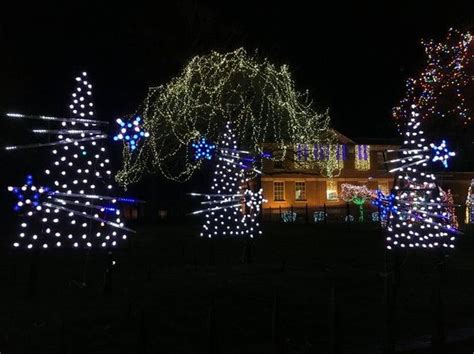 ge lights up nela park with cleveland themed holiday
