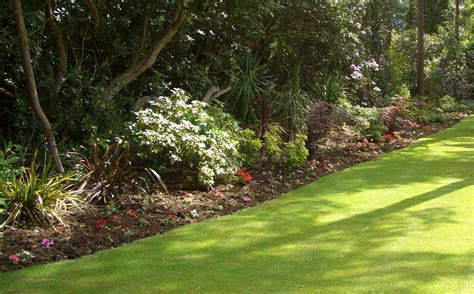 landscape gardening services from experienced landscape gardenerevergreen landscaping