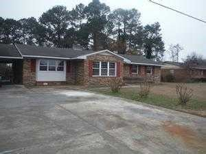 houses for sale clinton nc 816 w elizabeth st clinton north carolina 28328 foreclosed home information