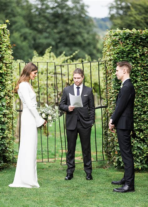 Simple Wedding Pictures by Chic Wedding Ceremony Once Wed