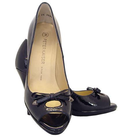 kaiser cinua peep toe high heels in navy patent
