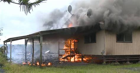 volcano house hawaii kilauea volcano lava burns down first hawaii house ny daily news