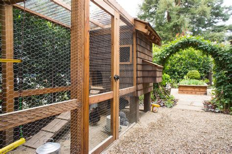 Building A Kitchen Island Plans by Extraordinary Chicken Wire Fence For Garden Decorating