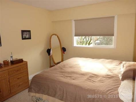master bedroom furniture placement 5 simple ways to organize a small master bedroom harbour