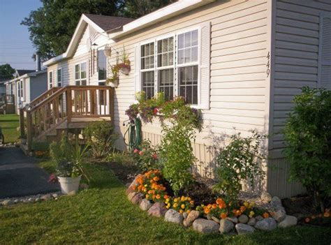 yard design for mobile home best 25 manufactured home decorating ideas on pinterest manufactured home remodel small