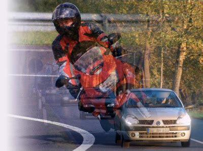 Motorradunfall Helm by Motorradunfall Der Helm Muss Ab Freiwillige