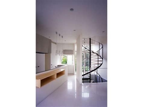 狭小住宅 のおしゃれアイデアまとめ Pinterestに関連する画像トップ 17件 スプレッド 温かさ スタジオ Kimaya K Architectural Design Studio