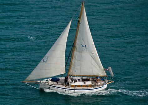 simple sailboat archive small cruising sailboat designs j bome