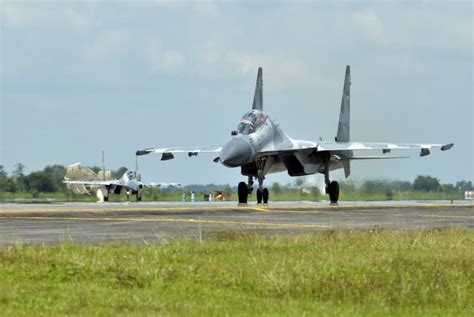 layout pabrik pesawat terbang garuda militer mengenal pabrik pembuat bom pesawat tempur