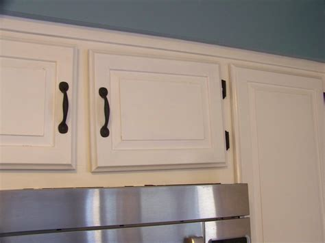 suburbs mama kitchen update one year later white rustoleum cabinet transformations linen reviews