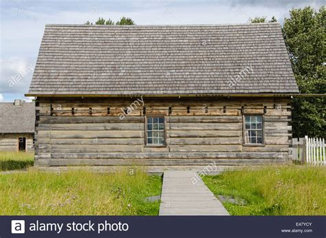 Historic Log Cabin Construction by Log Cabin House Building At Fort St