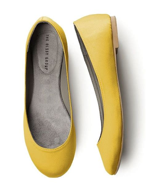 chagne colored wedding shoes 1000 ideas about yellow wedding shoes on