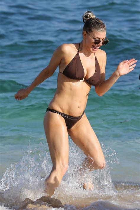 boat browser mini handler fergie in bikini on the beach in kauai