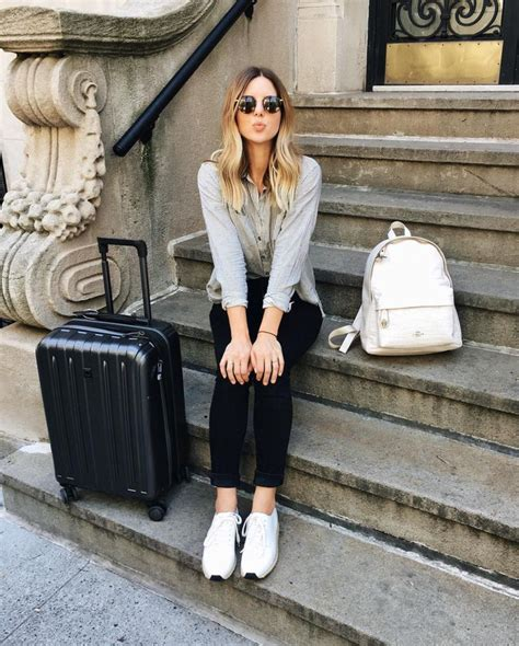 comfortable outfits for flying 25 best ideas about airplane outfits on pinterest comfy