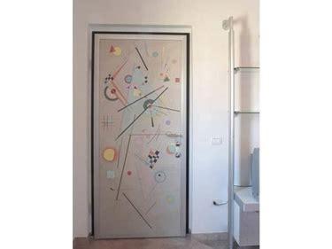 rivestimento porta ingresso scegliere rivestimento porta blindata le porte blindate