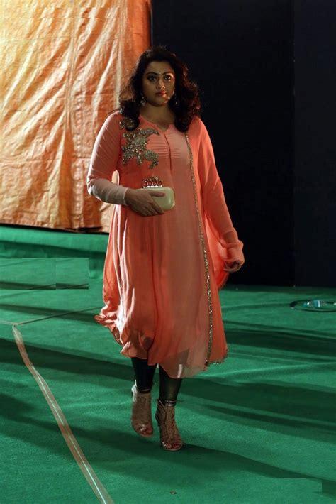 beautiful actress meena hot   unseen pic