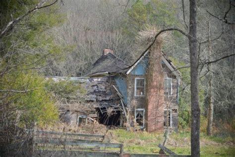 abandoned things i hear you guys like abandoned things i found a house