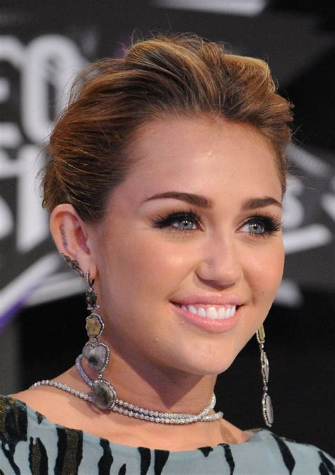 what do you call miley cyrus hairstyle looking for hairstyles for round faces here s all the