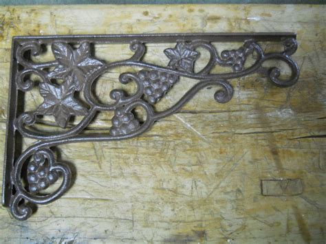Vintage Style Shelf Brackets by 4 Cast Iron Antique Style Grapes Vine Brackets Garden