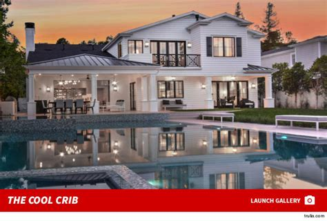 robert kardashian house rob kardashian needs out of kylie s crib checks out mansion of his own tmz com
