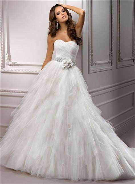 simple princess ball gown sweetheart layered tulle wedding