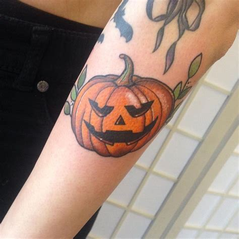 pumpkin tattoos best 25 pumpkin ideas on