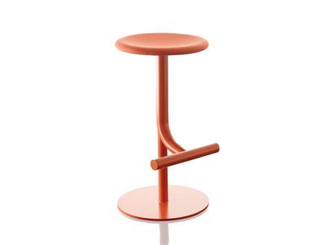magis stuhl buy the magis tibu swivel bar stool at nest co uk
