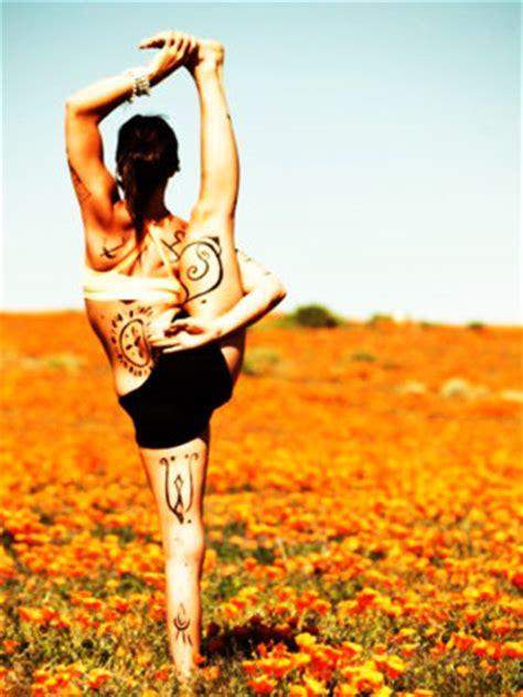 tattoo yoga girl qualities of competent trusted yoga teachers lexiyoga