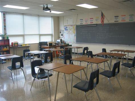 Desk Arrangements For Middle School by The 25 Best Ideas About Classroom Desk Arrangement On