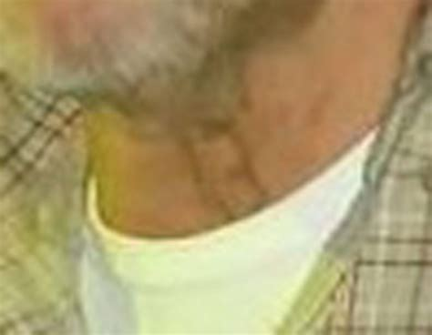 what is the tattoo on zero neck there is no tattoo on paddock s neck