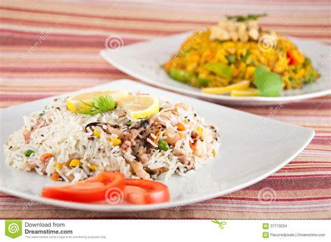 cuisine riz cuisine indienne riz avec des fruits de mer images stock
