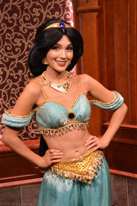 Princess Jasmine from Disney's Aladdin at the Royal in Disneyland   Photography by Anime Ray