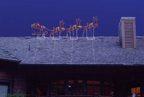 rooftop santa and sleigh small outdoor santa sleigh and reindeer set holidaylights
