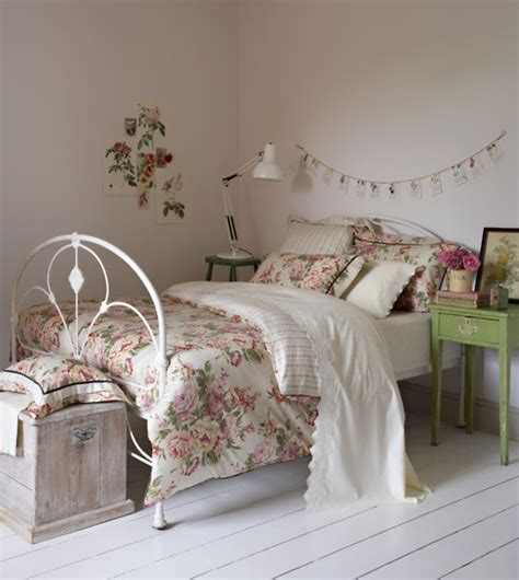 floral bedroom florals using pattern in kids rooms kidspace interiors