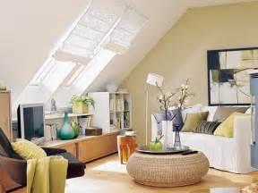 wohnzimmer gestalten ideen m 246 chten sie ein traumhaftes dachgeschoss einrichten 40