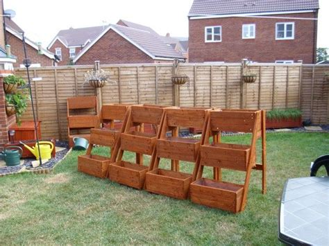 planters made from pallets planters made from pallets nevermind i ll do it