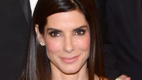 Kitchen Cabinets Open by Sandra Bullock Reveals Her Late Mother S Powerful Advice