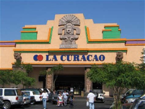 La Curacao Sofas by Retailer Targets Growth In The Hispanic Sector