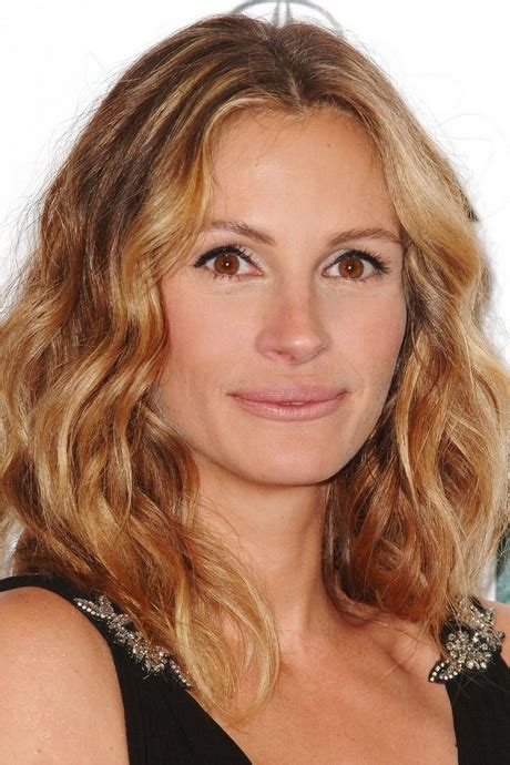 actresses with medium length layered cuts celebrity hairstyles medium length hair