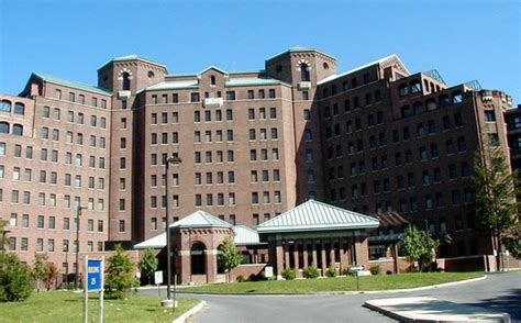 Long Island Soup Kitchen Volunteer Move To Pilgrim State Hospital Office Long Island Cares