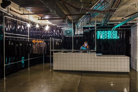 Gallery of REBEL Gym / Studio C102   13