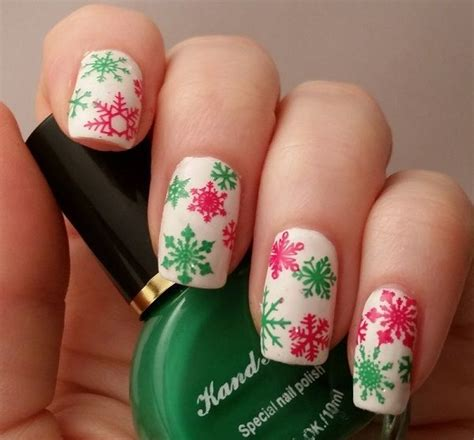 christmas themed nails 61 best christmas nails images on pinterest christmas