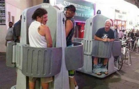 camara oculta en ba os de chicas hombres erectos en baos publicos pillados hombres erectos
