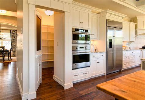 Secret Pantry by Dise 241 O De Habitaciones Ocultas Ideas Para Construir En