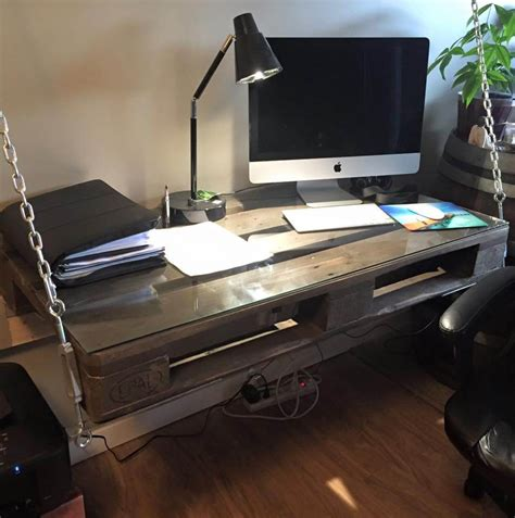 Diy Hanging Desk 14 Creative Pallet Furniture Ideas